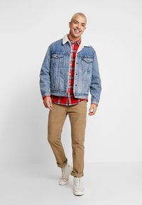 Levi's® - VIRGIL TRUCKER - Jeansjacka - blue denim - 1