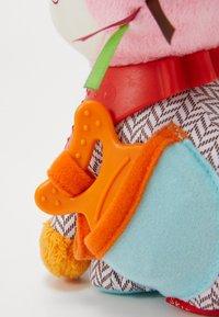 Skip Hop - BANDANA BUDDIES - Knuffel - multi-coloured/pink - 3