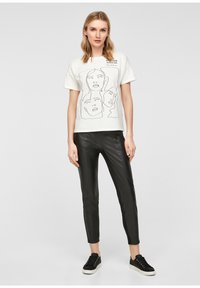 comma - Print T-shirt - white - 1