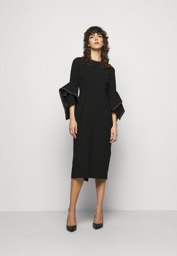 RONDA  - Pouzdrové šaty - black/rose