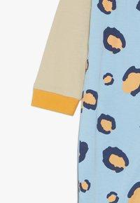 Lucy & Sam - RIBBON ROMPER LEOPARD PRINT BABY - Jumpsuit - light blue/off white - 3