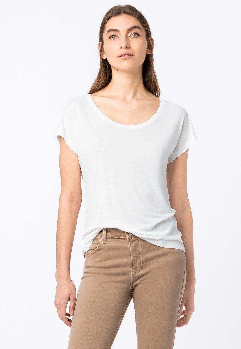 HALLHUBER - WEIT GESCHNITTENES - Basic T-shirt - offwhite
