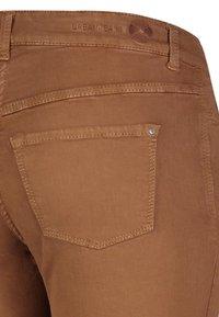 MAC Jeans - Jeans Skinny Fit - bison brown - 2