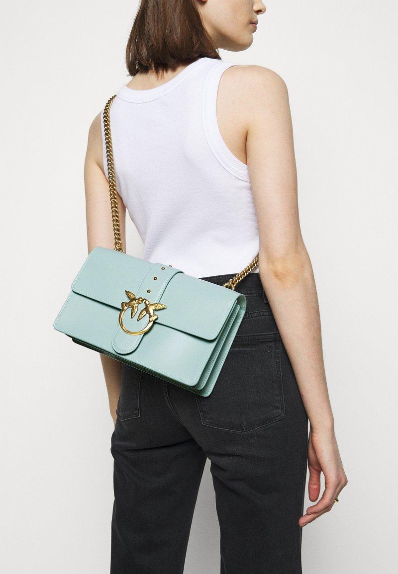Pinko - LOVE CLASSIC ICON SIMPLY SETA ANTIQU - Across body bag - aqua green