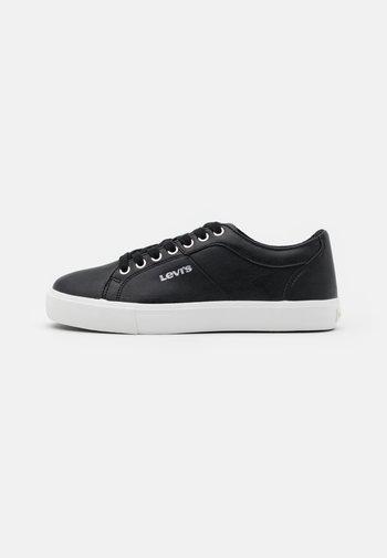 WOODWARD  - Sneakers laag - regular black