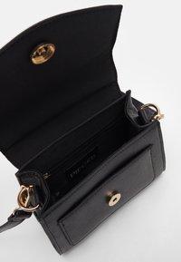 Pieces - PCGAIGA MINI CROSS BODY - Handbag - black - 2