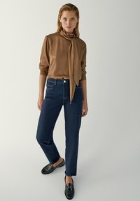 Massimo Dutti - MIT HALBHOHEM BUND - Slim fit jeans - dark blue - 1