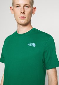The North Face - MESSAGE TEE - Triko s potiskem - green - 3