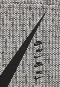 Nike Performance - Rucksack - light orewood/black - 5