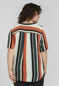 MY TRUE ME TOM TAILOR - BLOUSE WITH SLANTED PLACKET - Print T-shirt - multicolor sahara - 2