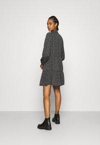 ONLY - ONLASSIA DRESS - Robe d'été - black - 2
