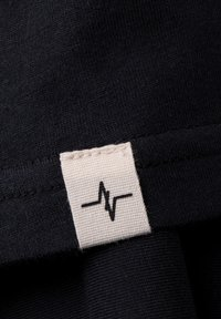 Spitzbub - HEARTBEAT - Basic T-shirt - schwarz - 6