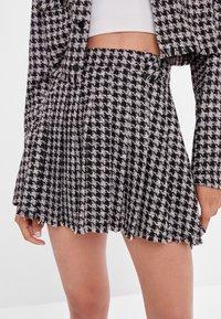 Bershka - Áčková sukně - black - 3