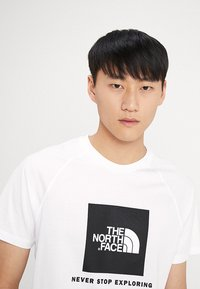 The North Face - Print T-shirt - white - 4