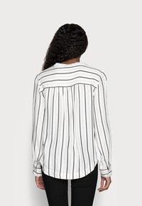GAP Petite - SHIRRED - Button-down blouse - black white stripe - 2
