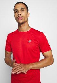 ASICS - KATAKANA  - Print T-shirt - classic red - 3