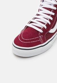 Vans - UY SK8-HI ZIP - High-top trainers - pomegranate/true white - 5