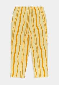 Mainio - SAND WAVE UNISEX - Trousers - straw - 1