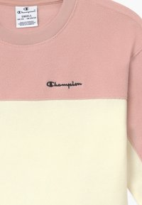 Champion - LEGACY AMERICAN CLASSICS CREWNECK - Fleece jumper - light pink - 3