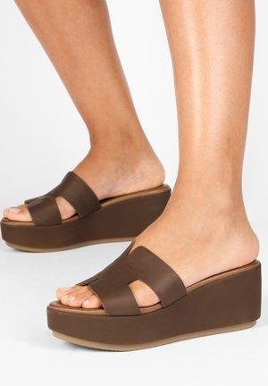 Pantolette hoch - brown brn