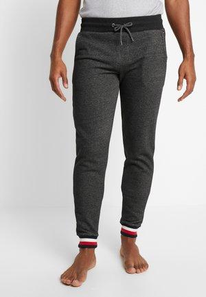 TRACK PANT  - Pyjamahousut/-shortsit - grey