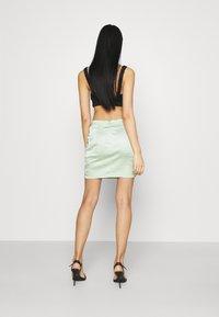 Missguided - BUTTON DOWN SIDE MINI SKIRT - Mini skirt - sage - 2