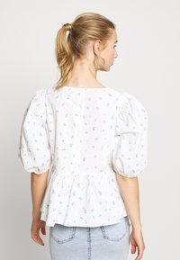 Monki - MELINA BLOUSE - Blouse - white - 2