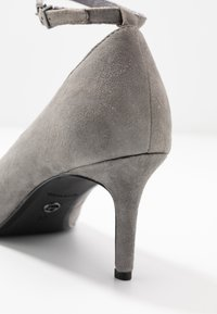 Tamaris - Klassiske pumps - light grey - 2