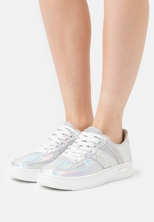 MILO - Sneakers laag - silver