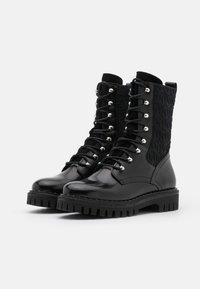 Tommy Hilfiger - MATERIAL MIX BOOTIE - Platåstøvletter - black - 2