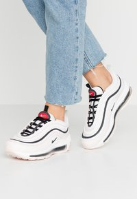 Nike Sportswear - AIR MAX 97 - Sneakers laag - light soft pink/black/summit white/gym red/white - 0