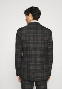 Limehaus - Kostym - brown - 3