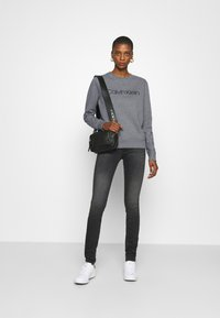 Calvin Klein - CORE LOGO - Sweatshirt - mid grey heather - 1