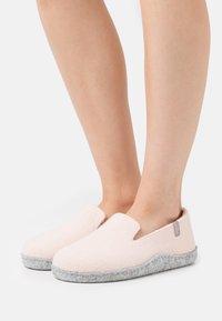 Copenhagen Shoes - ROSITA - Pantoffels - nude - 0