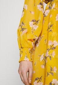 Vero Moda - VMZALLIE WRAP DRESS - Kjole - chai tea/zallie - 3