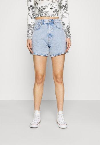 DAGNY MOM - Shorts di jeans - sky blue