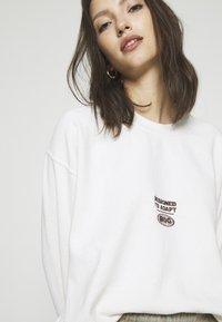 BDG Urban Outfitters - SPHERE - Felpa - ecru - 5