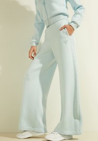 Guess - Trousers - himmelblau - 3