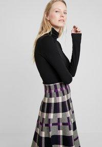 Derhy - OBERKAMPF - A-line skirt - black/purple - 3