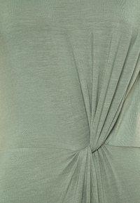 Vero Moda Tall - VMAVA LULU ANCLE DRESS TALL - Maxi dress - laurel wreath - 2