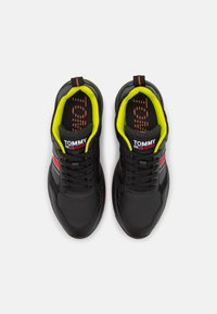 Tommy Jeans - MODERN RUNNER PERF  - Trainers - black - 3