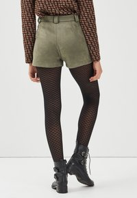 BONOBO Jeans - Shorts - vert khaki - 2