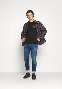 Wrangler - GREENSBORO - Jeans straight leg - hard edge - 1