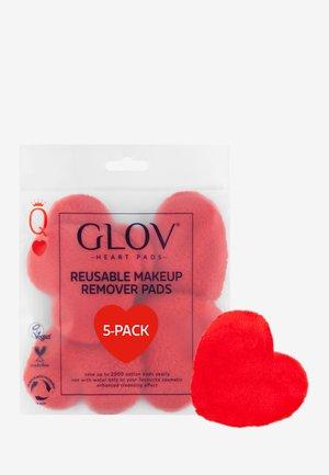 HEART PADS 5 PCS - Skincare tool - red