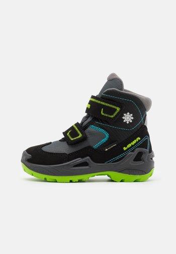 MILO GTX MID - Winter boots - schwarz/türkis