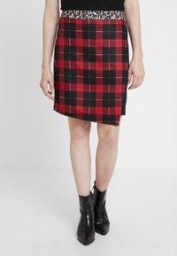 Taifun - Mini skirts  - lipstick red - 0