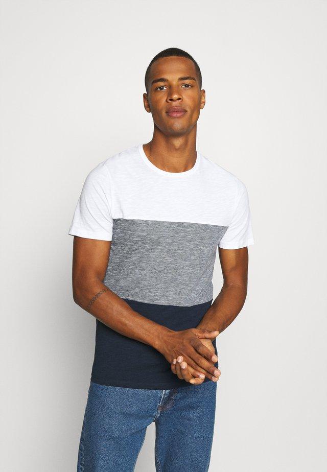 JJBLOCK TEE CREW NECK - Print T-shirt - navy