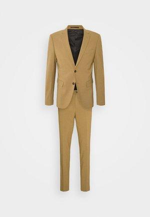 PLAIN SUIT  - Suit - mid camel