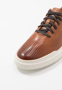 Cole Haan - GRANDPRO RALLY LASER CUT  - Trainers - british tan/ivory - 5