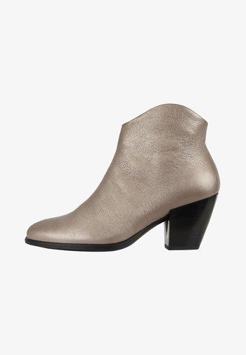 SHAPE WESTERN - Ankle boots - warm grey